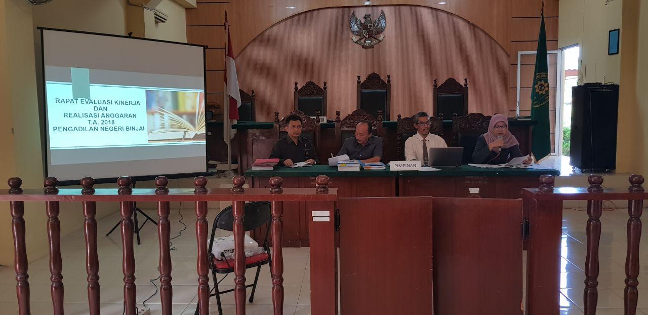 RAPAT EVALUASI KINERJA DAN REALISASI ANGGARAN T.A 2018 PENGADILAN NEGERI BINJAI